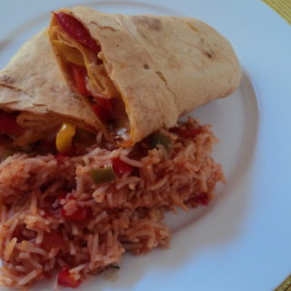 chicken wraps with red rice