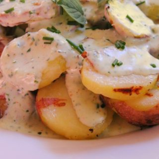 potatoes with herb sauce (2)